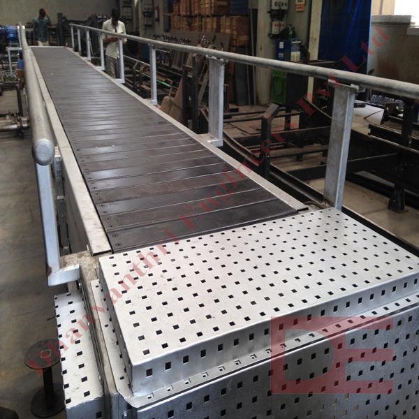 Heavy Duty Assembly Line Slat Conveyor