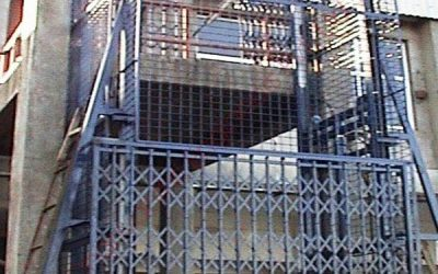 Hydraulic Cage type industrial lifts